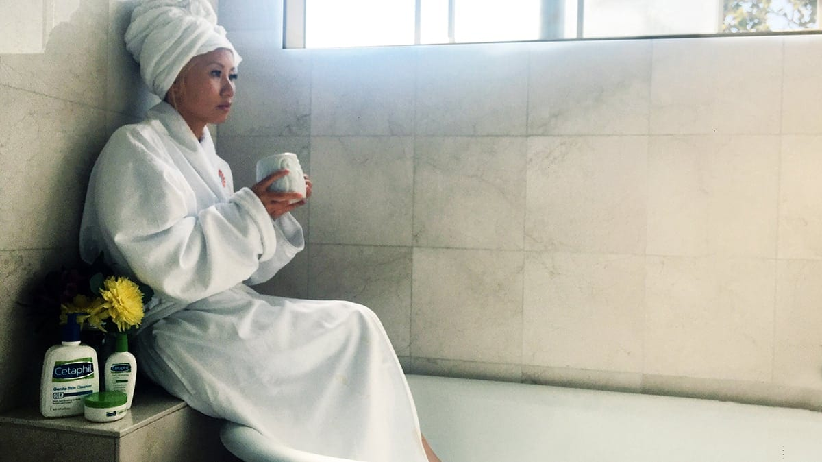 How to Pamper Yourself in the Bath