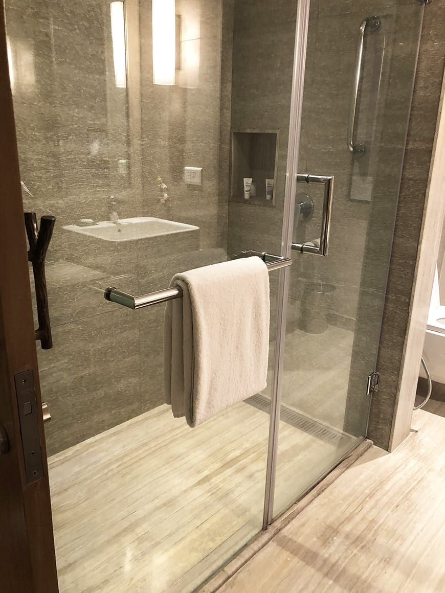Welcom Hotel ITC Hotel bengaluru - shower 2